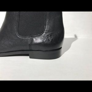 Frye Shoes - FRYE ANNA CHELSEA Black Leather Ankle Boots